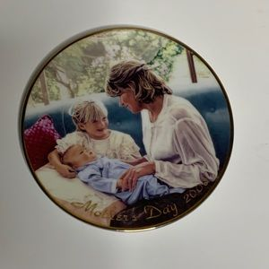 A Mother's Love Collectable Porcelain Plate